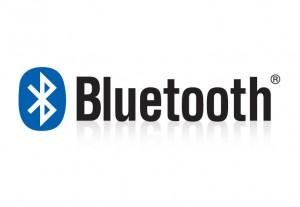Ищите этот значок на коробках с наушниками, или упоминание bluetooth в спецификации товара.